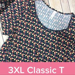 LuLaRoe classic tee triangles black pattern